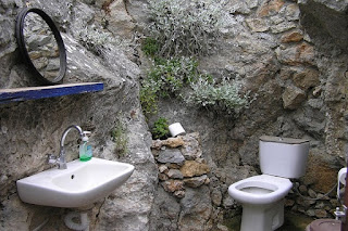 Mengatasi WC mampet