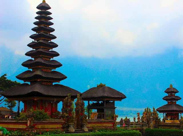 Ulun Danu Beratan Temple - Temple Over a Beautiful and Charming Lake