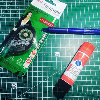 material escolar, manualidades, tipp-ex, pegamento, cinta correctora, bolígrafo borrable,