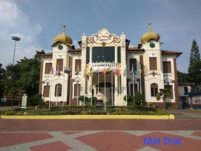 Tempat Menarik di Melaka Memorial Pengisytiharan Kemerdekaan