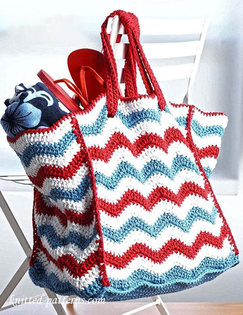 Free Crochet Pattern Beach Bag : Little Treasures: 6 Free Crochet Beach Bags Patterns