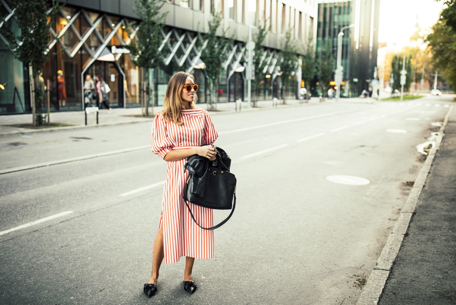 red stripe dress outfit street style