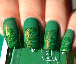 https://lenas-sofa.blogspot.de/2017/06/essence-new-league-tommys-favorite-green.html