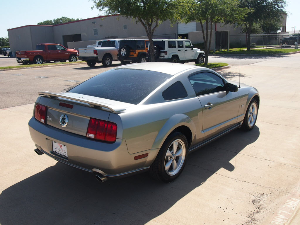 2008 ford mustang gt silver 50k miles 6 speed manual. Black Bedroom Furniture Sets. Home Design Ideas