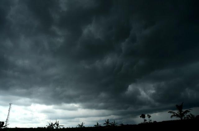 Waspada Fenomena Awan Cumulonimbus di Beberapa Daerah Jatim, Ini Himbauan BMKG Juanda