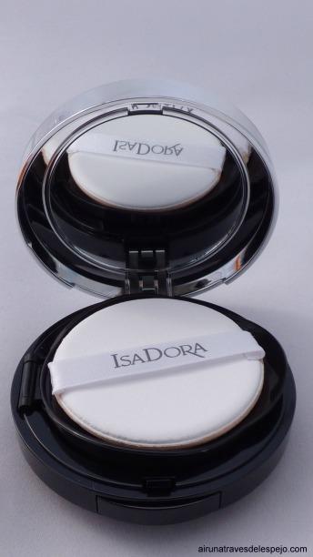 maquillaje foundation abierto isadora