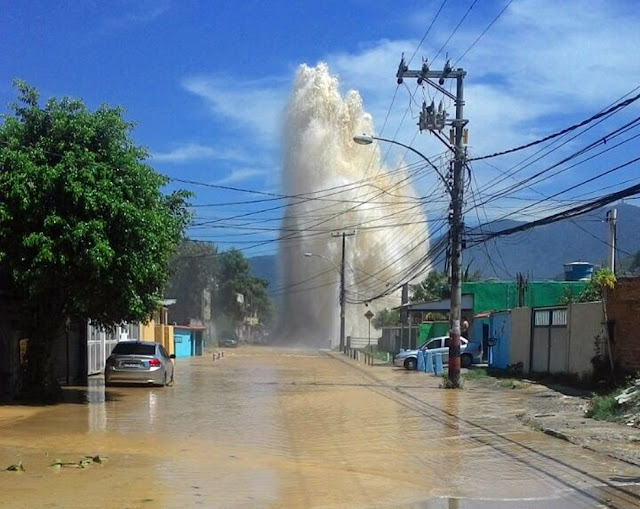 Adutora rompe, raio cai em transformador da CEDAE e falta água no RJ