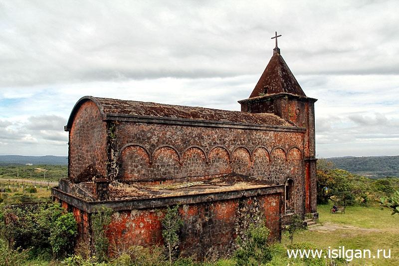 Заброшенная католическая церковь. Национальный парк Бокор. Камбоджа