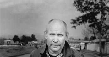 La storia, le foto e le interviste di Steve McCurry