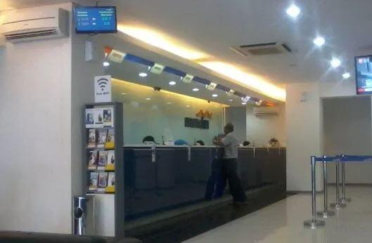 Cara mengambil uang melalui teller bank