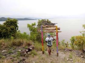 gerbang di pulau karamasang