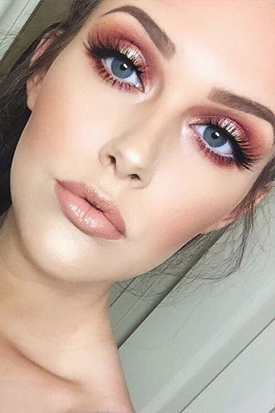 Rose Gold Makeup to Amp Up Your Beauty Routine