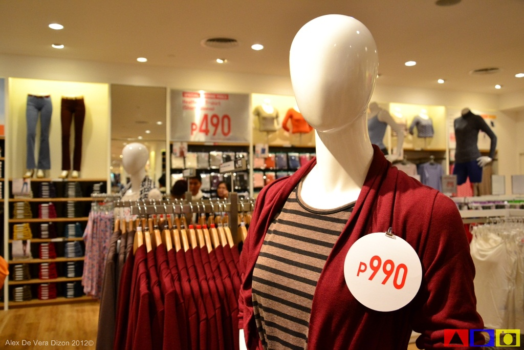 367fbe240616c Anyway, as the holidays are almost here, Uniqlo Philippines is featuring  their 2012 Fall Winter Collection throughout the store.
