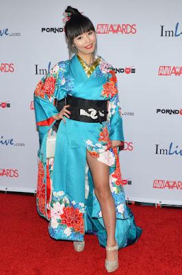 Marica Mae pakai kimono