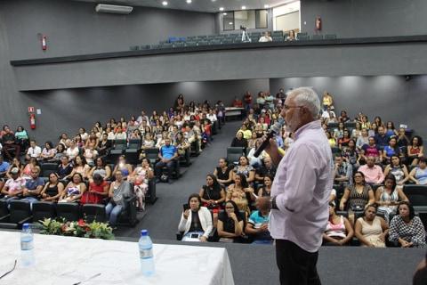 Após um atraso de 20 anos, Gestão Democrática na Rede Municipal de Ensino é implantada pelo prefeito Padre Eraldo em Delmiro  Gouveia