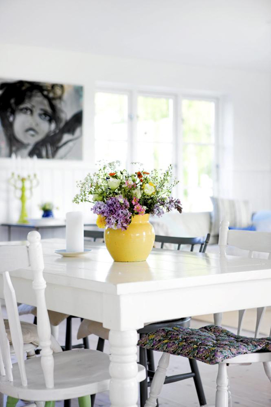 Fresh and bright #scandinavian #dining room. Image by Tia Borgsmidt