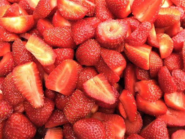 Erdbeeren geschnitten für Marmelade