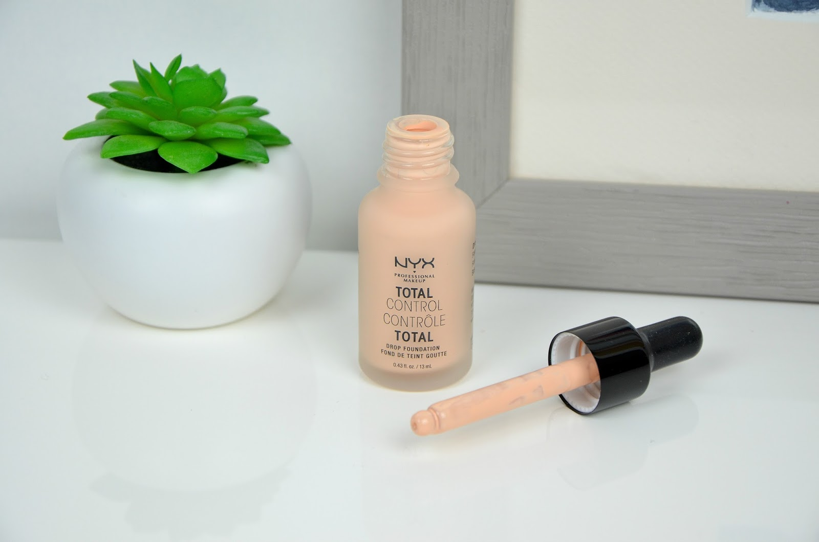 total control drop foundation fond de teint goutte contrôle total NYX