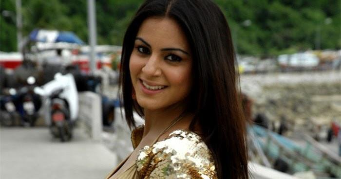 Shraddha Arya Hot Navel Show: Shraddha Arya's Navel