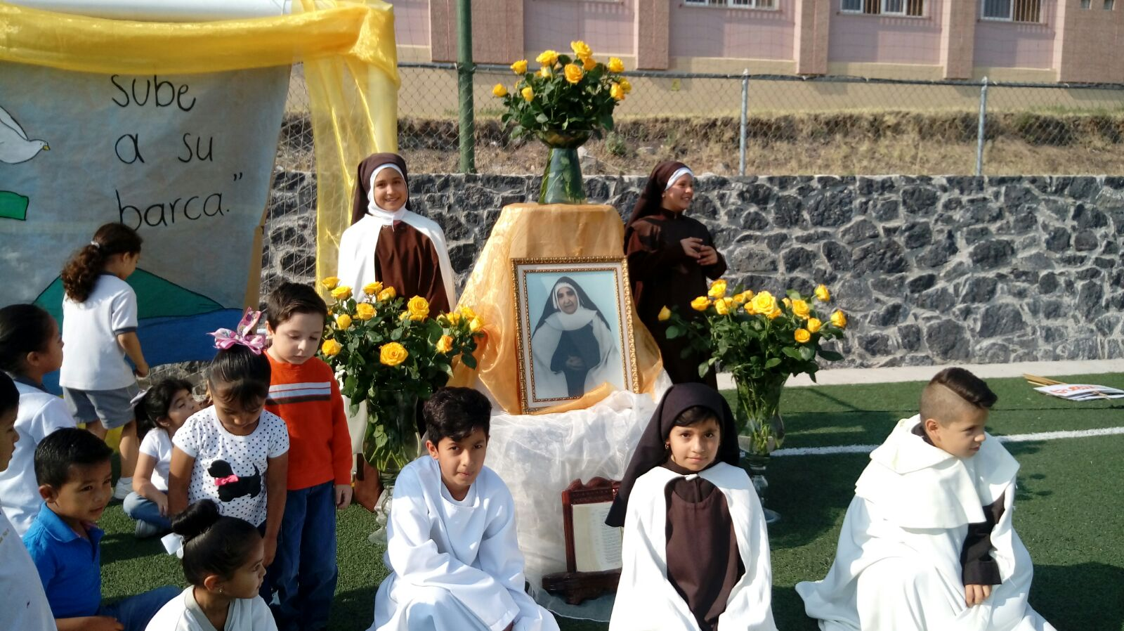 Nuestras hermanas de México celebrando a madre Rosa