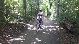 Cycliste, forêt, parc-nature du Bois-de-Liesse