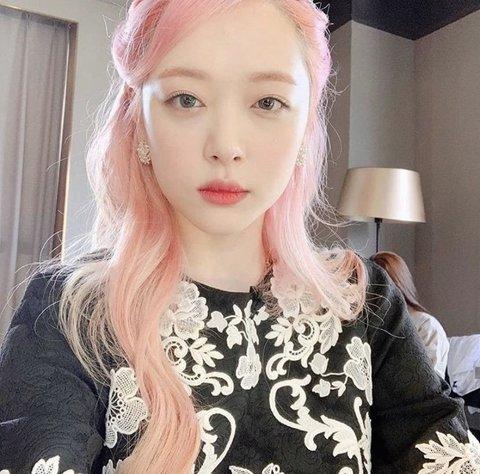 [PANN]Pembe saç denince aklınıza gelen idoller?