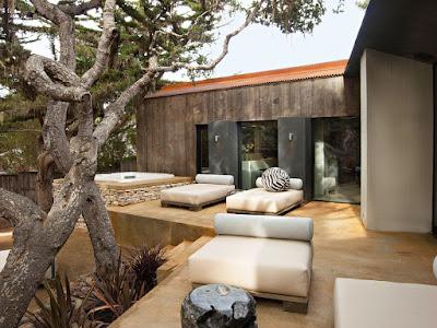 การออกแบบพื้นที่ภายนอกบ้านให้ใช้งานได้