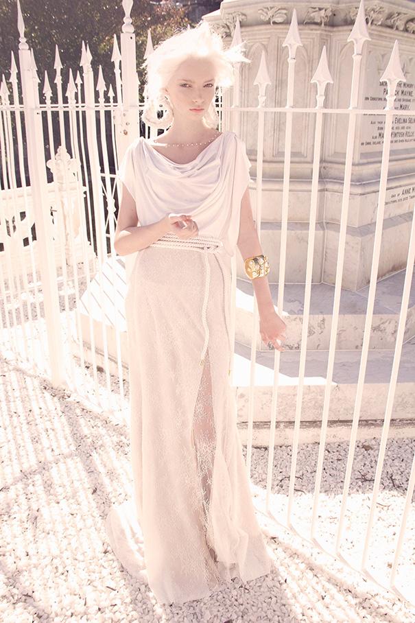 """Hi Beauty Escaper, Featured collection kali ini datang dari Fashion designer asal negara Kangguru, """"Australia"""". Karya rancangannya yang selalu berhasil mencuri perhatian didesain begitu unik dan secara detil. Sehingga nggak heran apabila Angelina Jolie, Cat Deeley, the Veronicas juga telah menggunakan pakaian hasil karyanya. George Wu kembali hadir dengan """"George Wu 2016 Sancta Sedes Wedding Dresses Collection"""".               """"George Wu 2016 Sancta Sedes Wedding Dresses Collection"""" ini terinspirasi dari kekuatan, keindahan dan keagungan dari sejarah kekaisaran Romawi.       Setiap gaun dari """"George Wu 2016 Sancta Sedes Wedding Dresses Collection"""" ini hadir dengan nuansa Putih Gading disertai dengan pernik mutiara, renda dan kristal. Jadi bisa dibayangkan ya Beauty Escaper, gaun pengantin 2016 dari Designer George Wu ini adalah sangat indah, elegant dan mewah.                   For more informations and details of this """"George Wu 2016 Sancta Sedes Wedding Dresses Collection"""", kindly visit George Wu    Until next post!"""