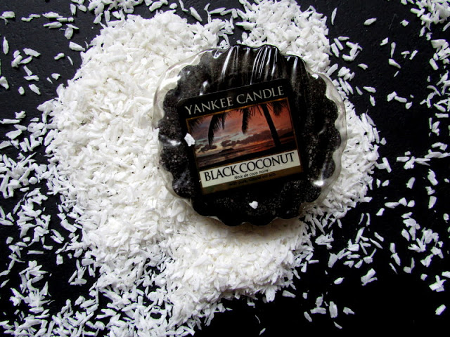 Black Coconut Yankee Candle