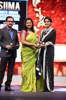 Keerthy Suresh Receiving Best Actress Award for Mahanati at SIIMA Awards 2019 2
