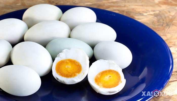 Cara membuat telur asin dengan air garam