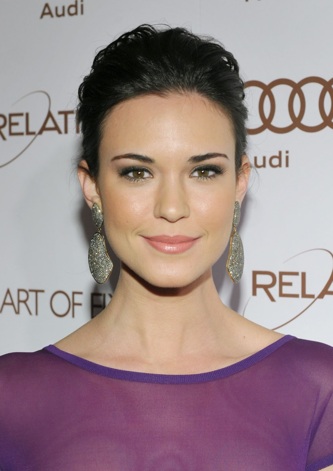 Odette Annable Photos: Best Picture Gallery of Odette