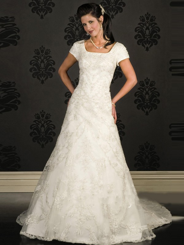 Dressybridal modest wedding gowns style to be elegant for Wedding dresses for short people