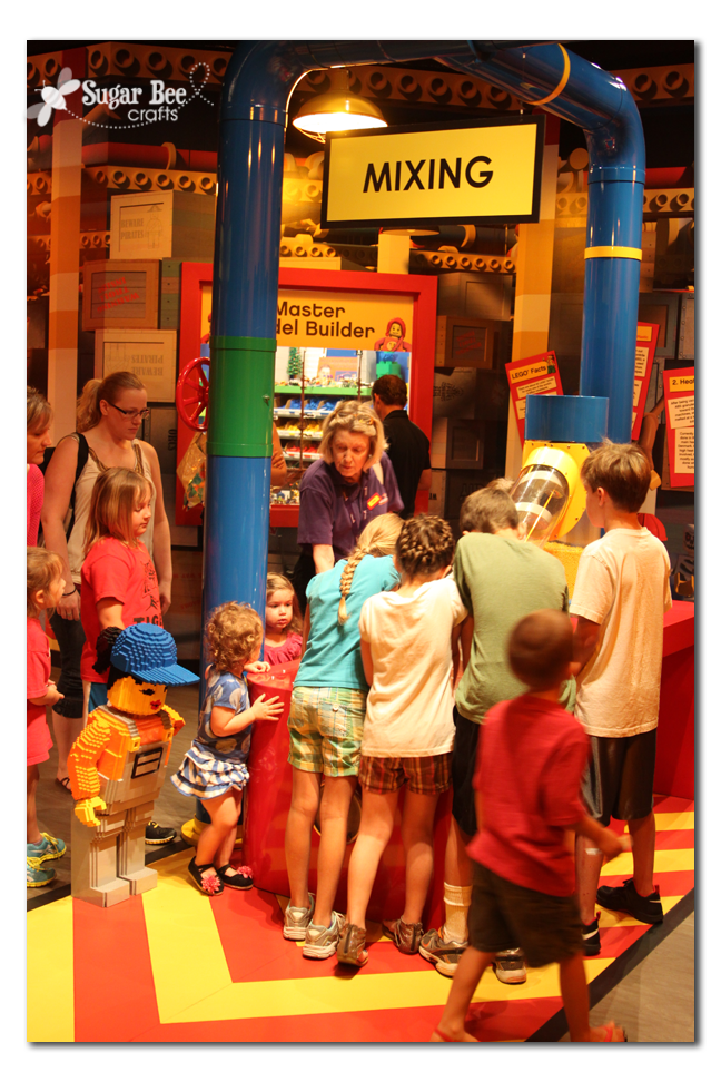 Legoland Discovery Center Kansas City - Sugar Bee Crafts