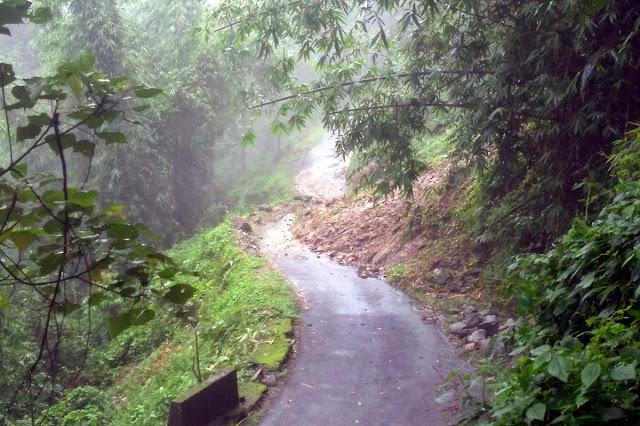 Landslide at shiva mandir labdah jogighat road