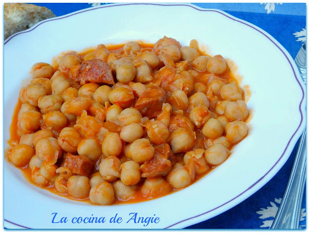 Garbanzos Picantes Con Chorizo