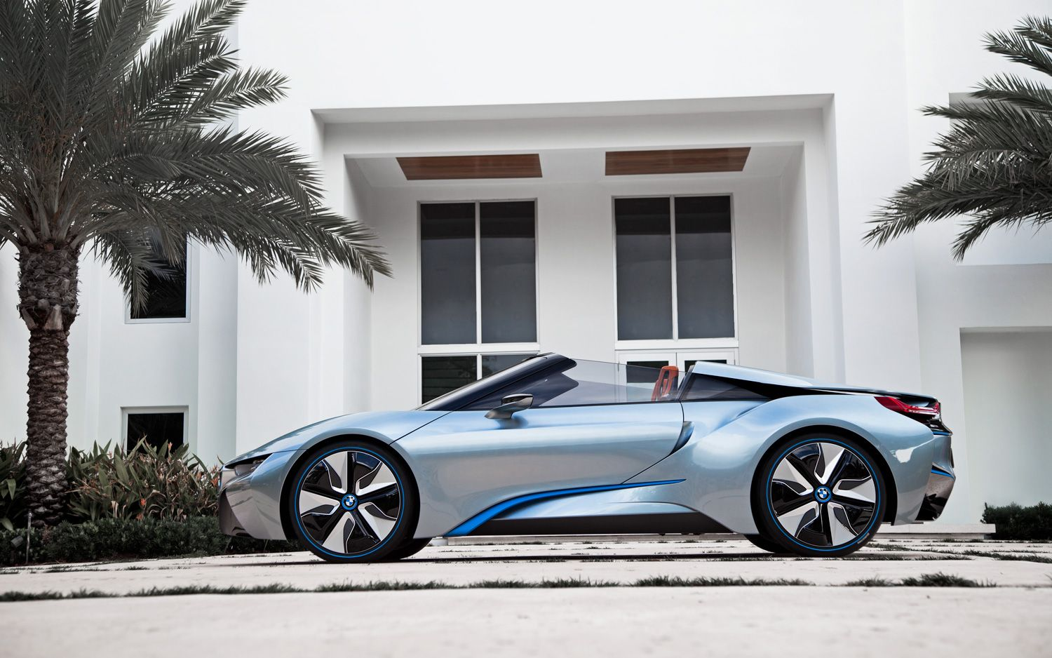 Bmw I8 Spyder Plug In Hybrid Concept Video Electric Vehicle News