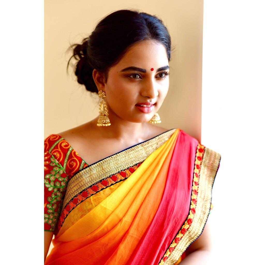 Actress Srushti Dange Hot In Silk Saree Photoshoot Stills Latest