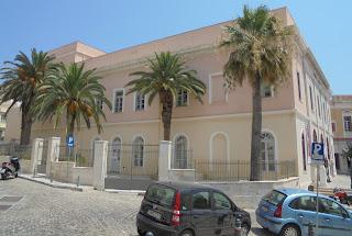 το Θέατρο Απόλλων στην Ερμούπολη