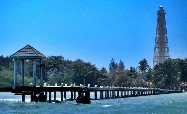 Destinasi Pulau Biawak Indramayu yang Indah dan Keren