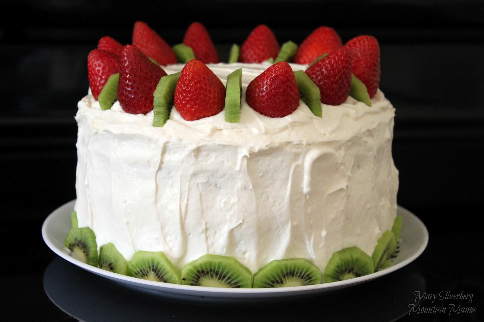 mountain mama: strawberry kiwi cake