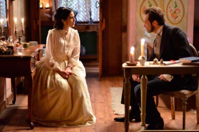 Tereza (Roberta Gualda) figurino vestido branco, cena novela Escrava Mãe