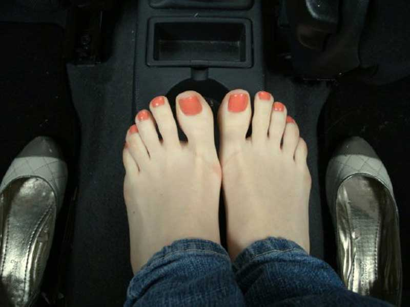 Lick feet ankle leg