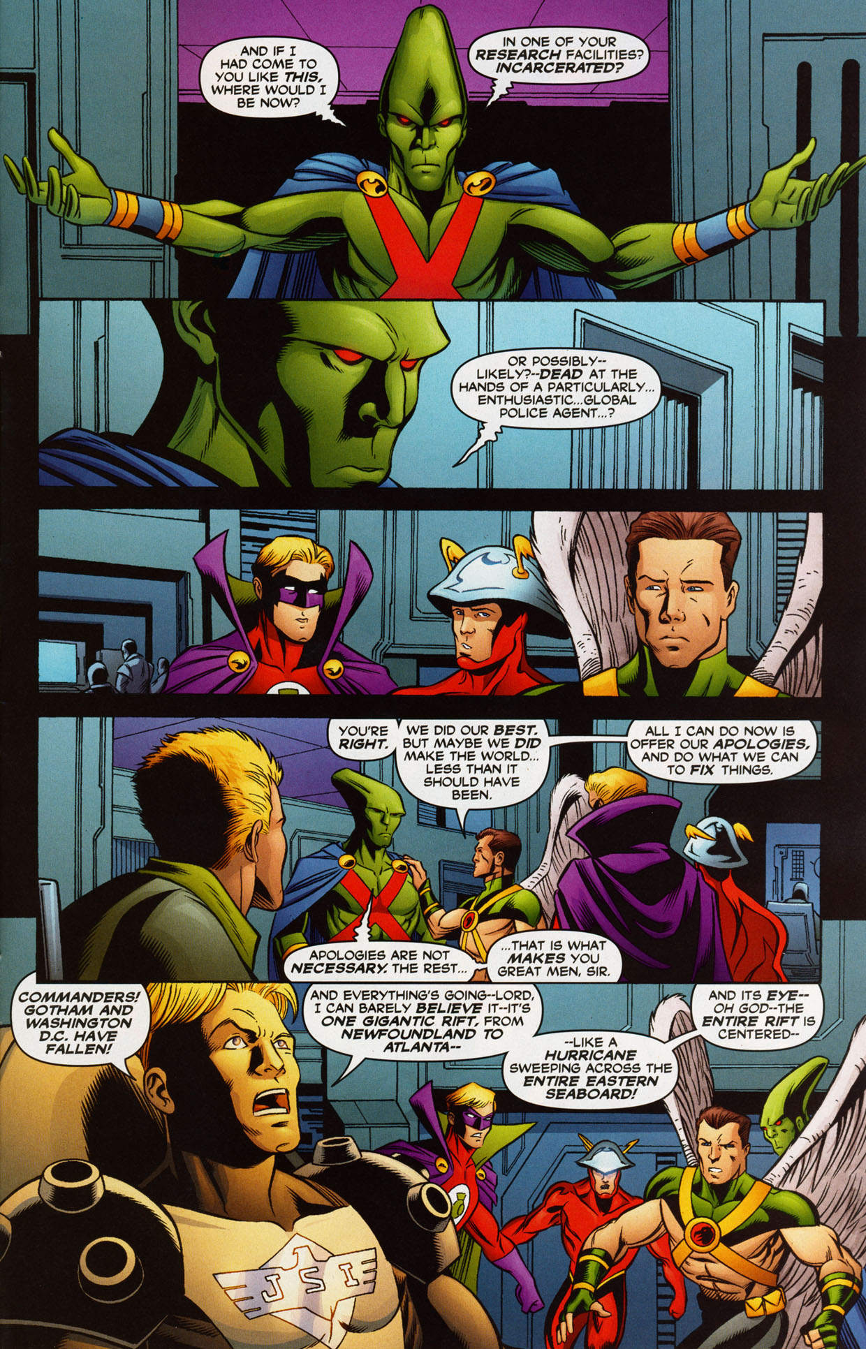 Read online Trinity (2008) comic -  Issue #38 - 28