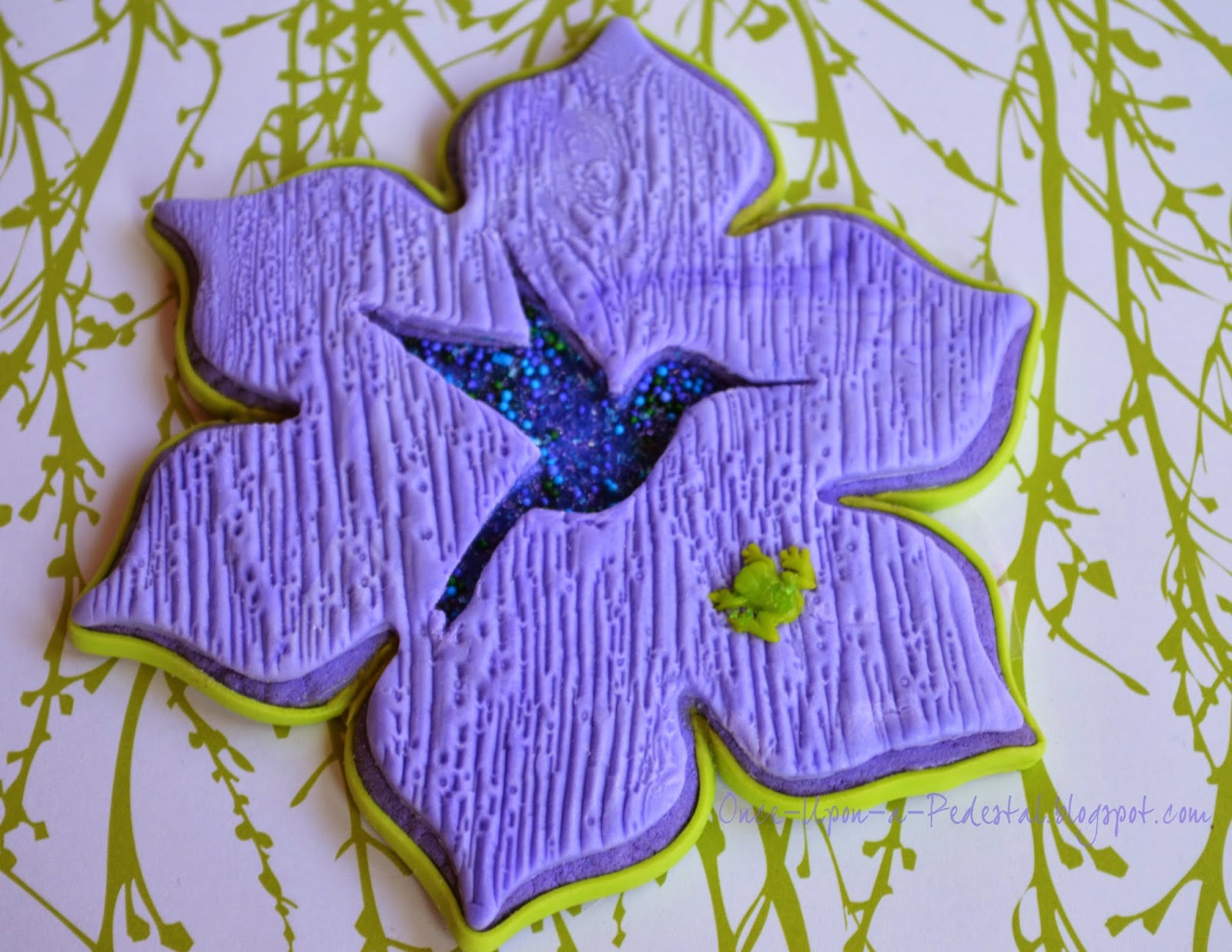 wood-texture-cookies-hummingbird-frog-cookie-con-salt-lake-city-utah-deborah-stauch