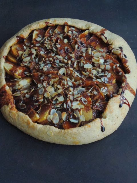 Eggless Apple & Nutella Galette