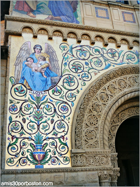 Fachada Memorial Church, Mosaico Love, Universidad de Stanford