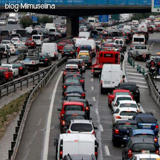 evitar atascos viajes con bebés viajar con niños recien nacidos en coche blog mimuselina