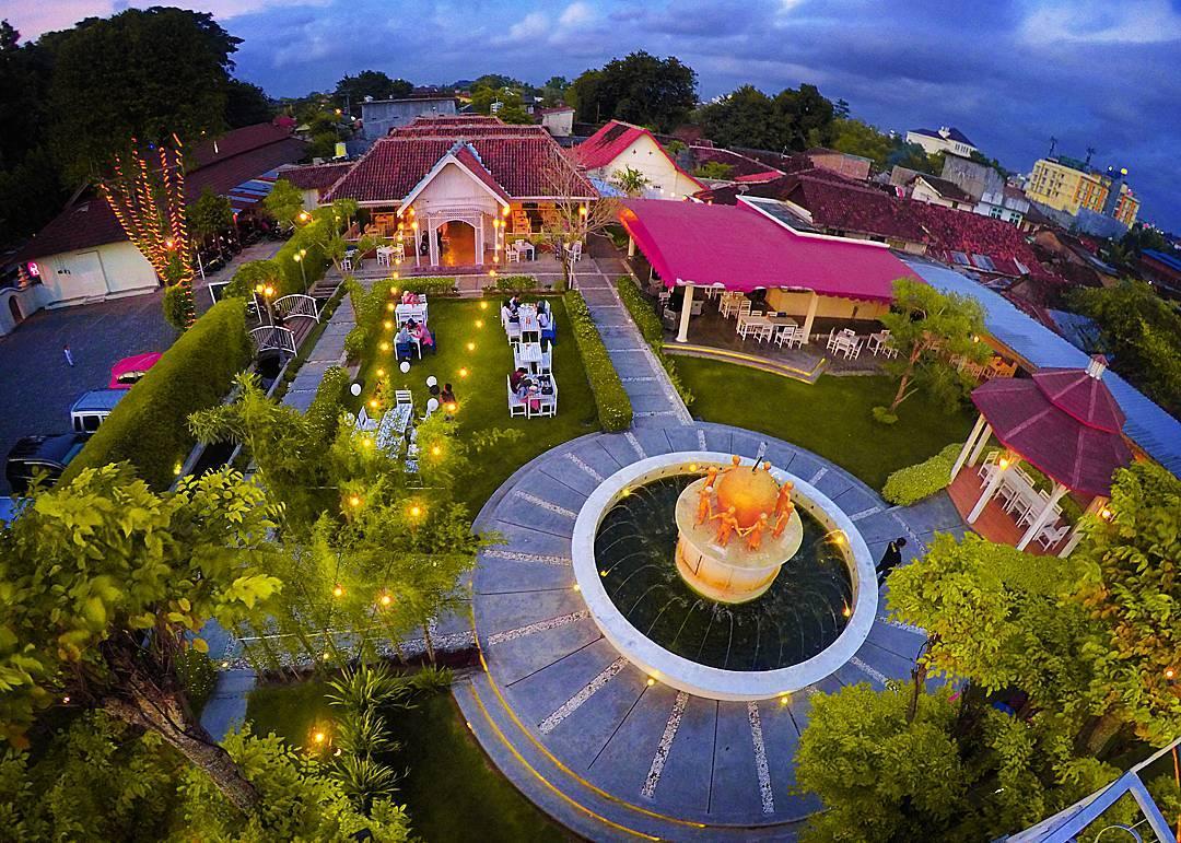 Secret Garden Coffe & Chocolate - 3 Cafe Milineal Yang Asyik Buat Nongkrong Di Jogja