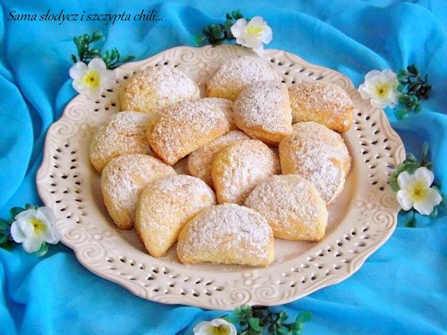 Ciasteczka pierożki z serem na słodko.